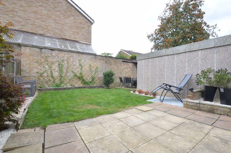 3 bedroom Semi-Detached  to buy in Bracklesham Gardens, Luton - Photo 2