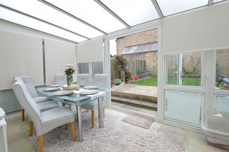 3 bedroom Semi-Detached  to buy in Bracklesham Gardens, Luton - Photo 4
