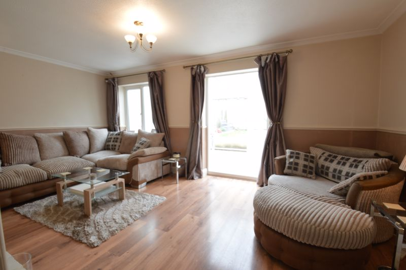 3 bedroom Semi-Detached  to buy in Bracklesham Gardens, Luton - Photo 5