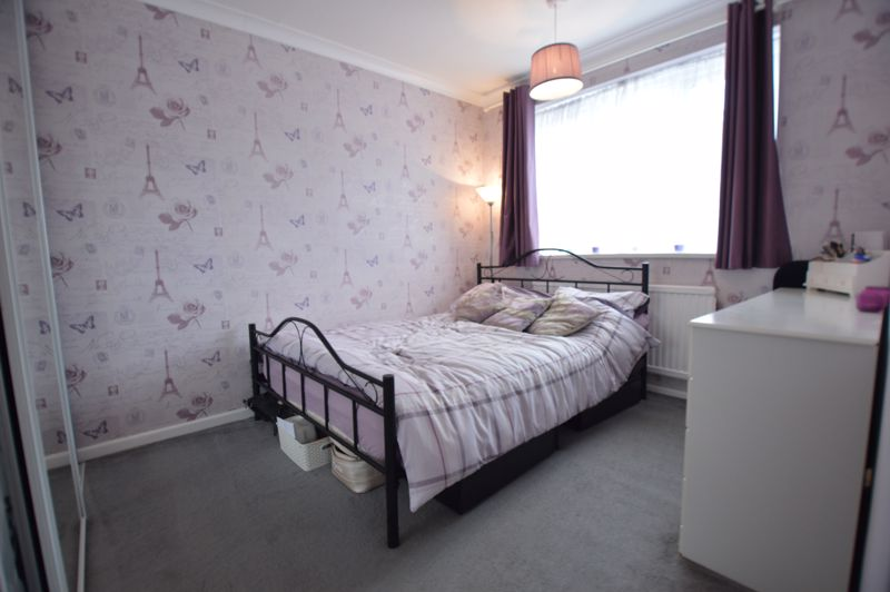 3 bedroom Semi-Detached  to buy in Bracklesham Gardens, Luton - Photo 13