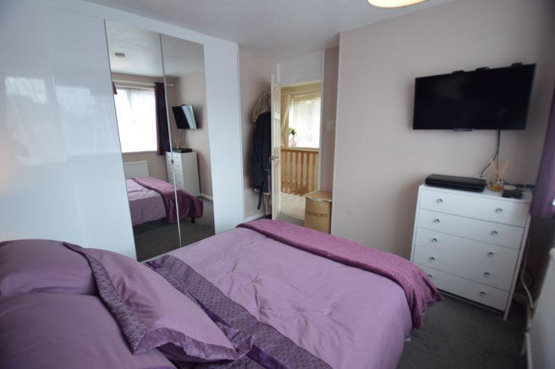 3 bedroom Semi-Detached  to buy in Bracklesham Gardens, Luton - Photo 16