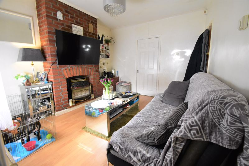 2 bedroom End Terrace to buy in New Town Street, Luton - Photo 6