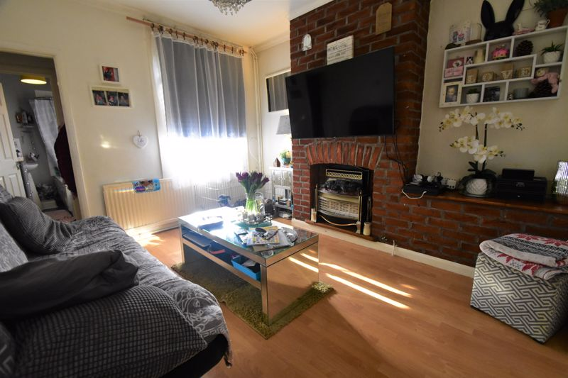 2 bedroom End Terrace to buy in New Town Street, Luton - Photo 7