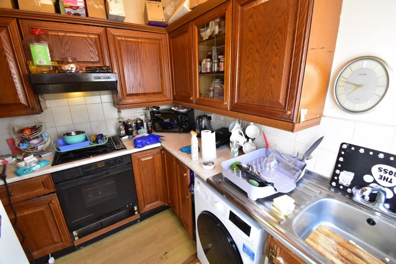 2 bedroom End Terrace to buy in New Town Street, Luton - Photo 9