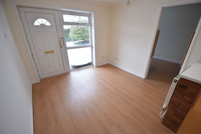 1 bedroom Maisonette to buy in Farley Hill, Luton - Photo 4