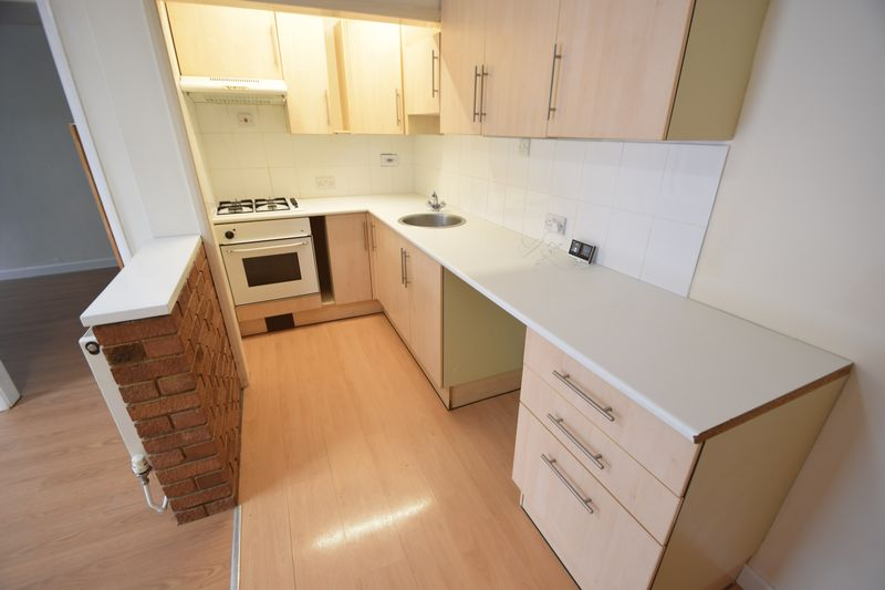 1 bedroom Maisonette to buy in Farley Hill, Luton - Photo 6