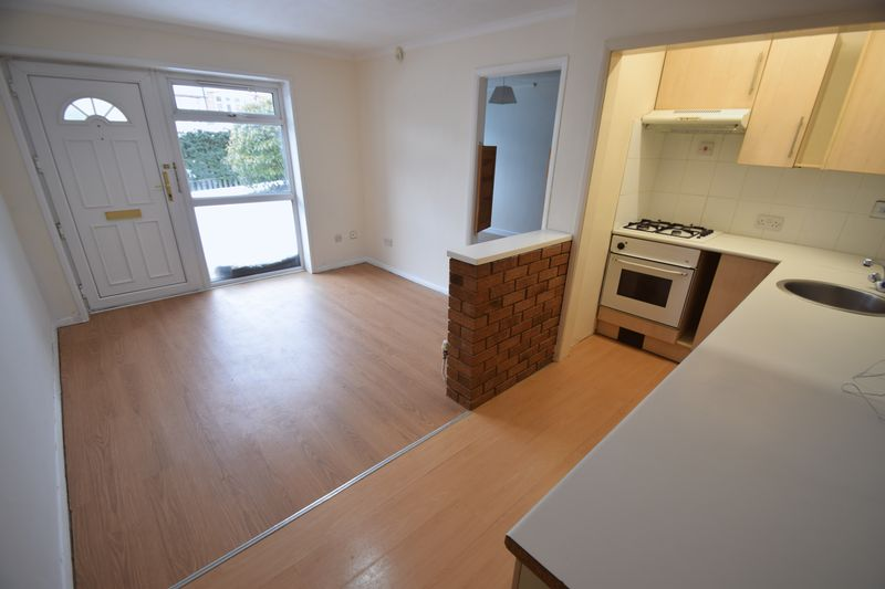 1 bedroom Maisonette to buy in Farley Hill, Luton - Photo 7