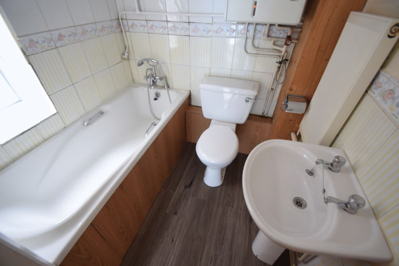 1 bedroom Maisonette to buy in Farley Hill, Luton - Photo 3