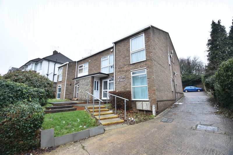 1 bedroom Maisonette to buy in Farley Hill, Luton - Photo 1