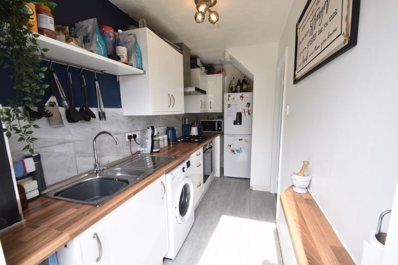 1 bedroom End Terrace to buy in Spayne Close, Luton - Photo 6