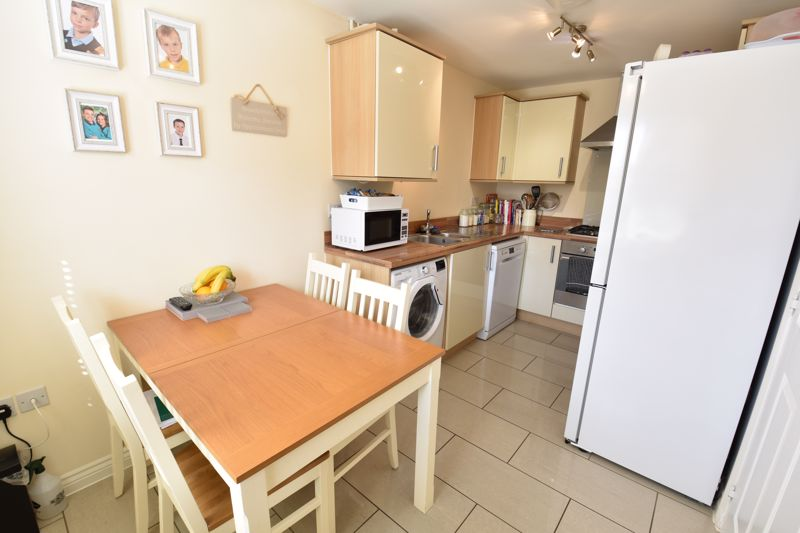 2 bedroom Semi-Detached  to buy in Meadfoot Place, Bedford - Photo 4