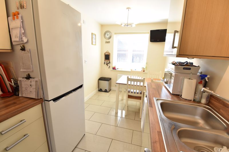 2 bedroom Semi-Detached  to buy in Meadfoot Place, Bedford - Photo 6