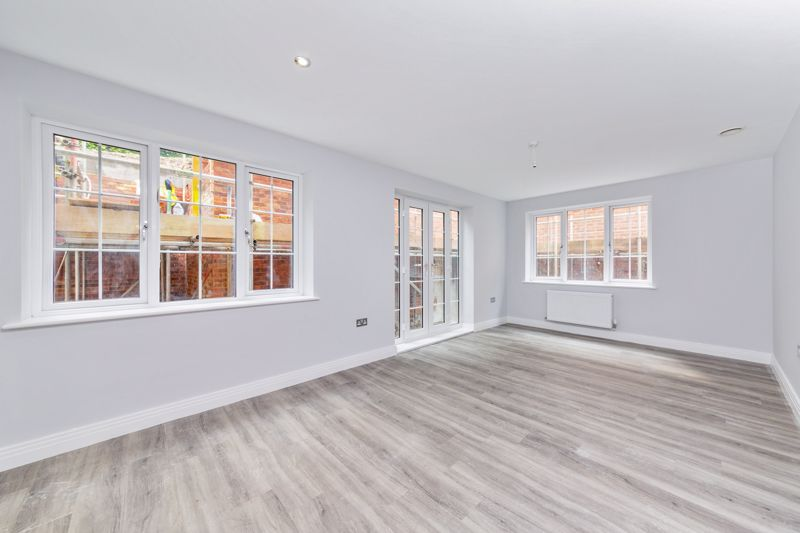 2 bedroom  to buy in 48 Crawley Green Road, Luton - Photo 11