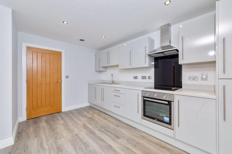 2 bedroom  to buy in 48 Crawley Green Road, Luton - Photo 12