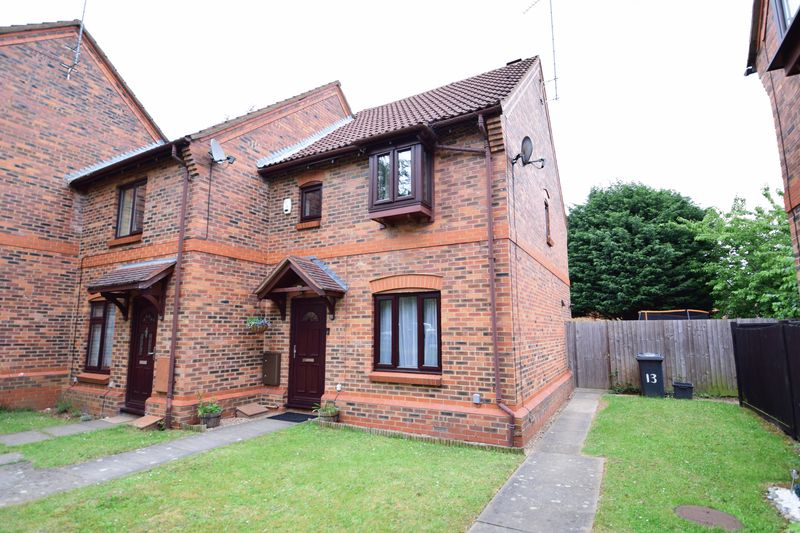 3 bedroom End Terrace to buy in Muirfield, Luton