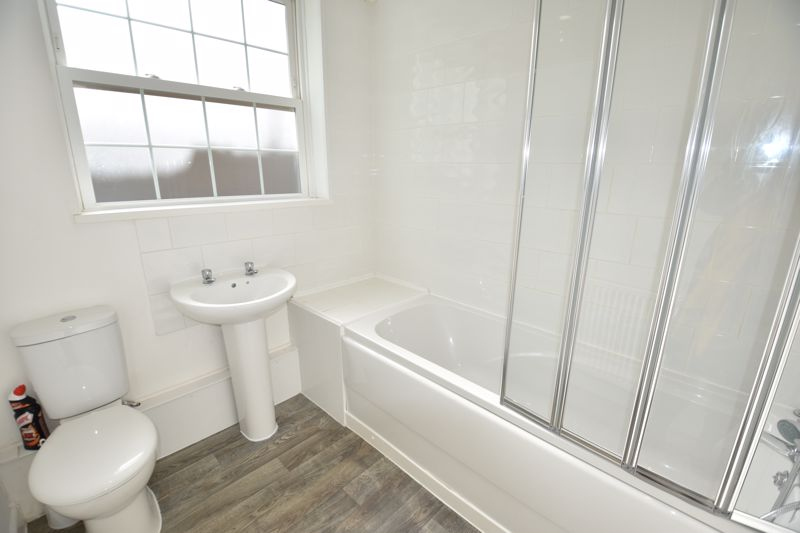 2 bedroom Flat to rent in Selbourne Road, Luton