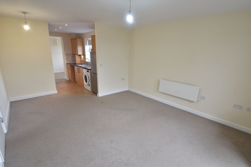 2 bedroom Apartment / Studio to buy in 1 - 117 Holly Street, Luton - Photo 14