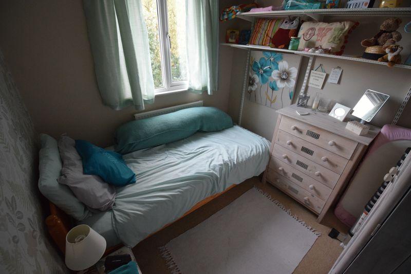3 bedroom Detached  to buy in Gardenia Avenue, Luton - Photo 8