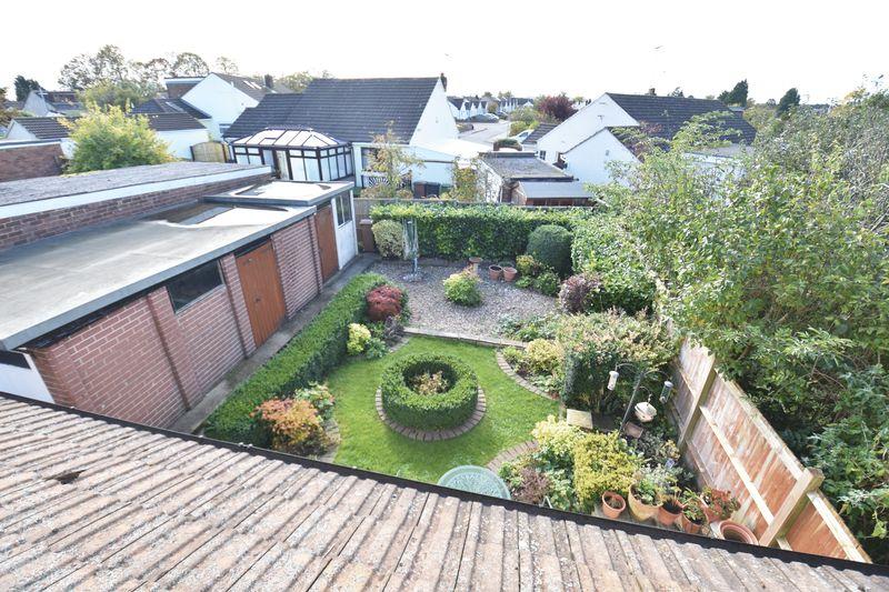 3 bedroom  to buy in Laburnum Grove, Luton - Photo 14
