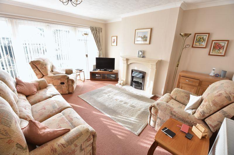 3 bedroom  to buy in Laburnum Grove, Luton - Photo 16