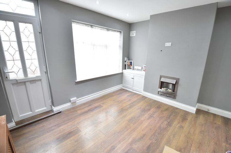 2 bedroom  to buy in Moreton Road South, Luton - Photo 1