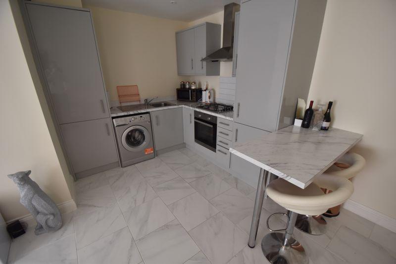 1 bedroom Maisonette to buy in Catsbrook Road, Luton - Photo 4