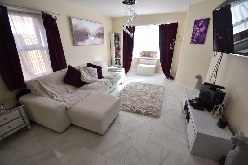 1 bedroom Maisonette to buy in Catsbrook Road, Luton - Photo 5