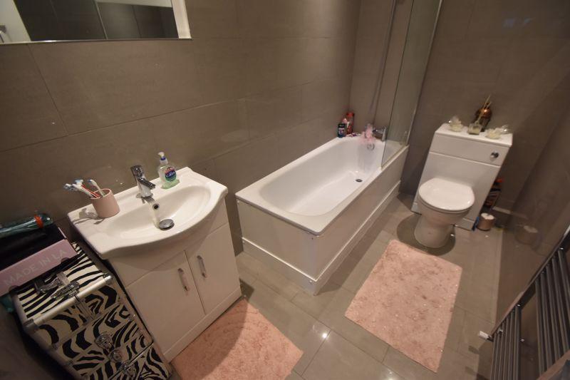 1 bedroom Maisonette to buy in Catsbrook Road, Luton - Photo 8