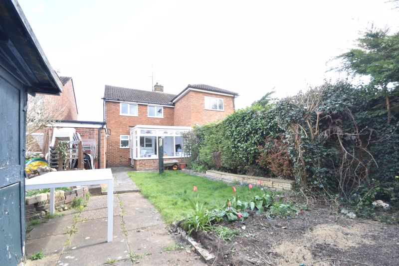 2 bedroom Semi-Detached  to buy in Foston Close, Luton - Photo 10