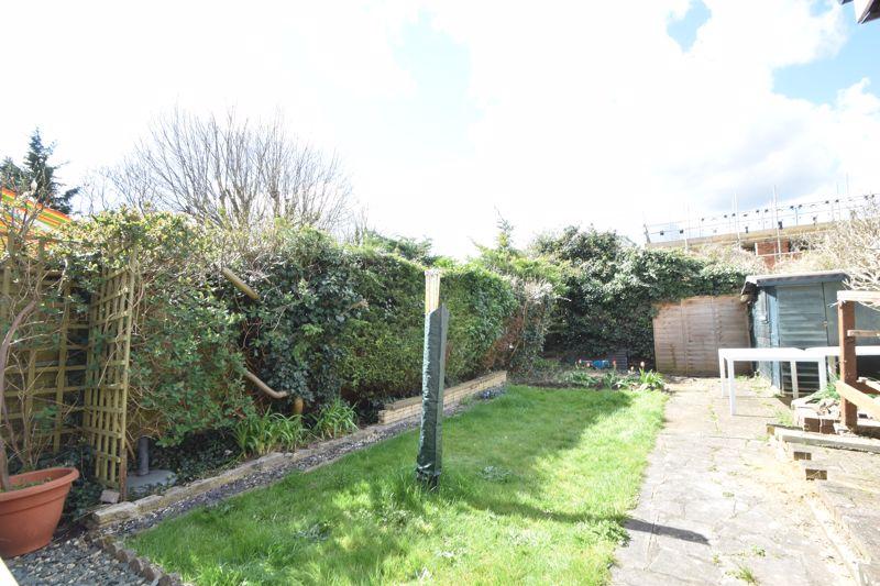 2 bedroom Semi-Detached  to buy in Foston Close, Luton - Photo 13