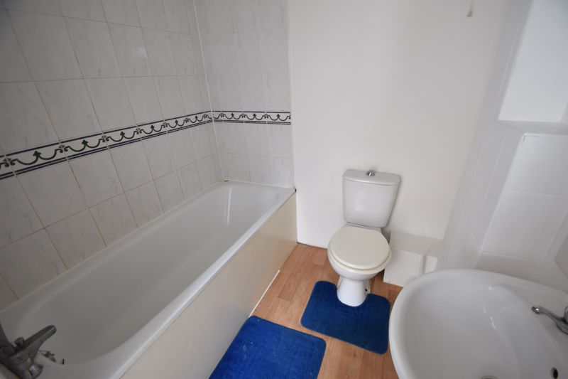 0 bedroom Flat to rent in High Town Road, Luton - Photo 2