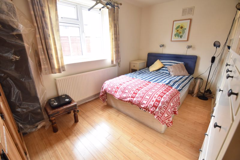 2 bedroom  to buy in Friars Close, Luton - Photo 8