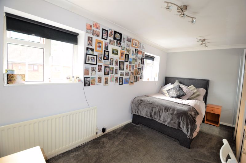 2 bedroom End Terrace to buy in Littlefield Road, Luton - Photo 1
