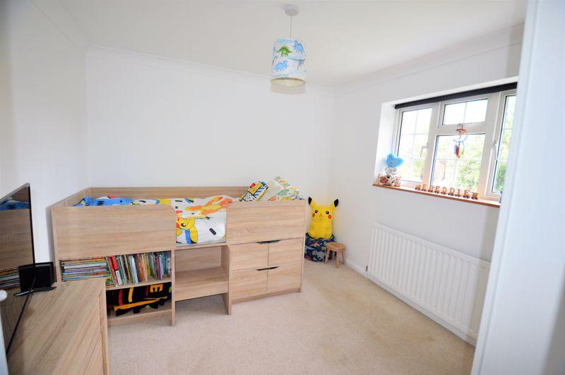 2 bedroom End Terrace to buy in Littlefield Road, Luton - Photo 2