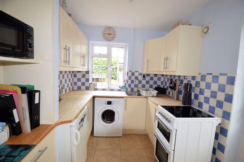2 bedroom End Terrace to buy in Littlefield Road, Luton - Photo 4
