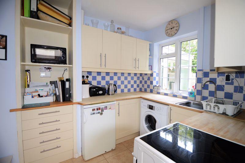 2 bedroom End Terrace to buy in Littlefield Road, Luton - Photo 5