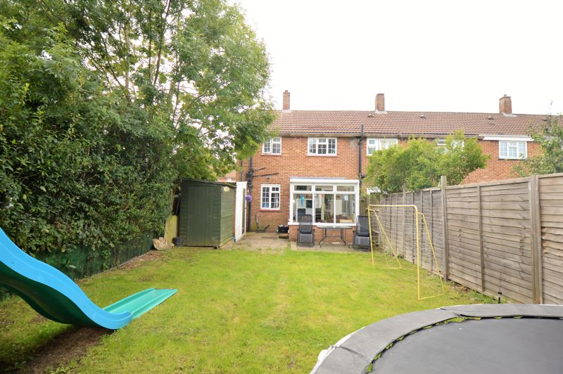2 bedroom End Terrace to buy in Littlefield Road, Luton - Photo 8