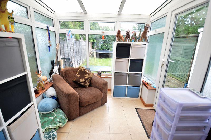 2 bedroom End Terrace to buy in Littlefield Road, Luton - Photo 9