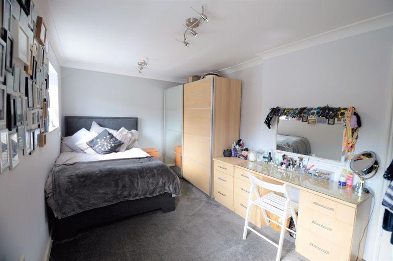 2 bedroom End Terrace to buy in Littlefield Road, Luton - Photo 12