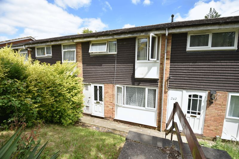 3 bedroom Mid Terrace to buy in Devon Road, Luton