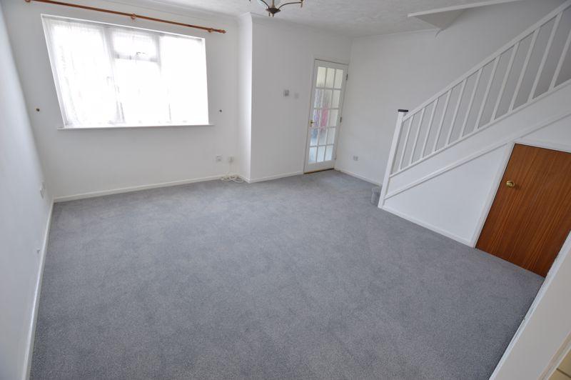 3 bedroom Semi-Detached  to buy in Pomeroy Grove, Luton - Photo 4