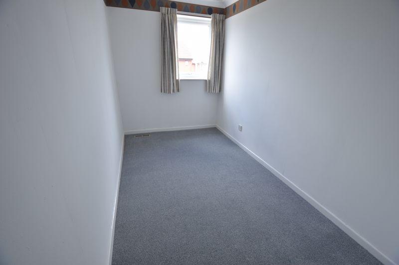 3 bedroom Semi-Detached  to buy in Pomeroy Grove, Luton - Photo 10