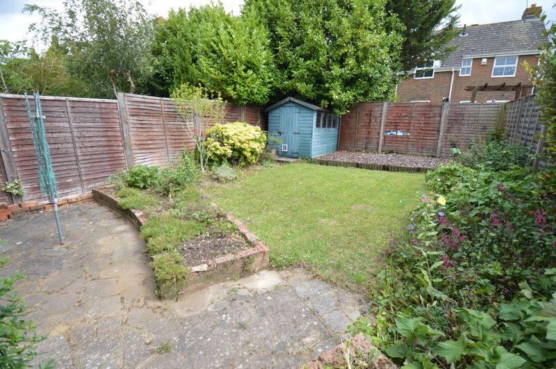 3 bedroom Semi-Detached  to buy in Pomeroy Grove, Luton - Photo 13