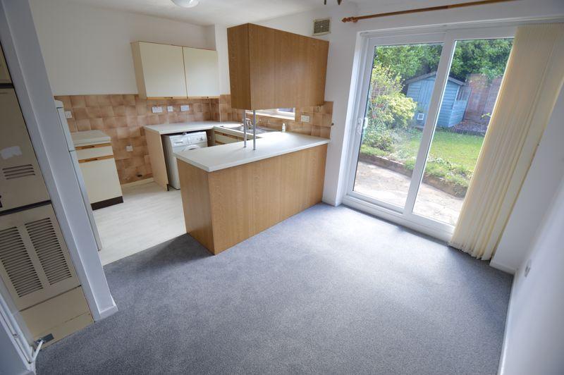 3 bedroom Semi-Detached  to buy in Pomeroy Grove, Luton - Photo 15