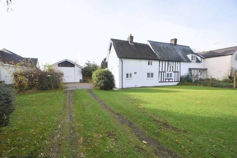 2 bedroom Semi-Detached  to buy in  Roe Green, Buntingford