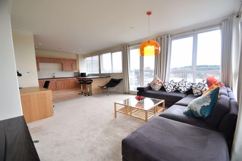 3 bedroom Apartment / Studio to buy in Midland Road, Luton