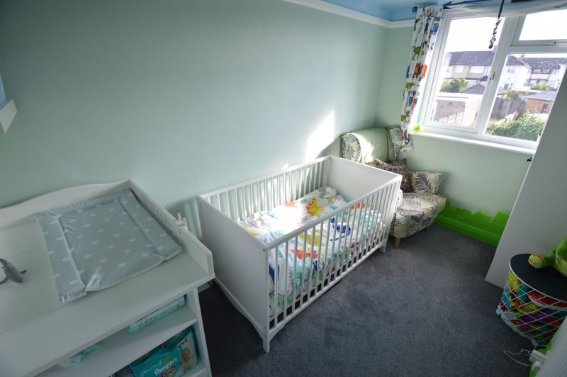 3 bedroom End Terrace to buy in Somerset Avenue, Luton - Photo 8