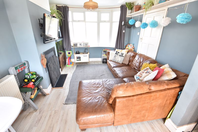 3 bedroom End Terrace to buy in Somerset Avenue, Luton - Photo 12