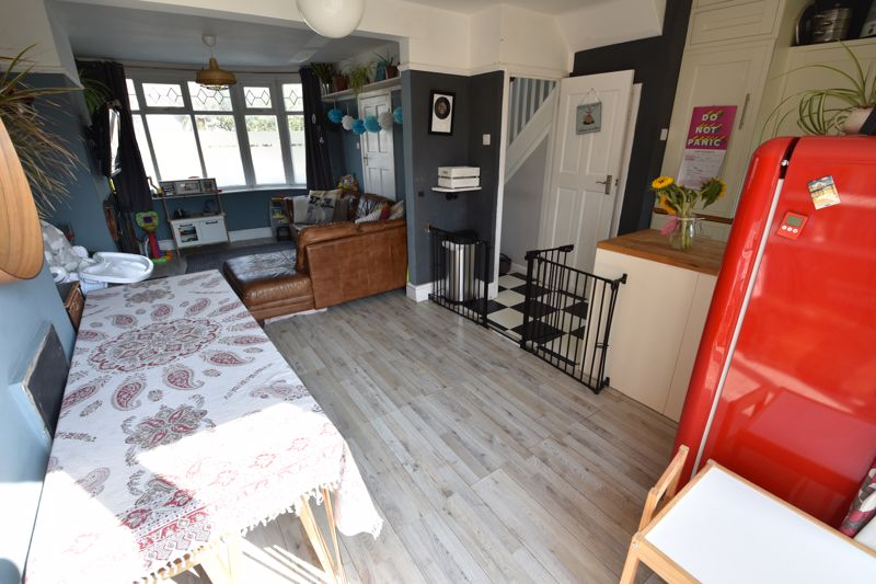 3 bedroom End Terrace to buy in Somerset Avenue, Luton - Photo 14