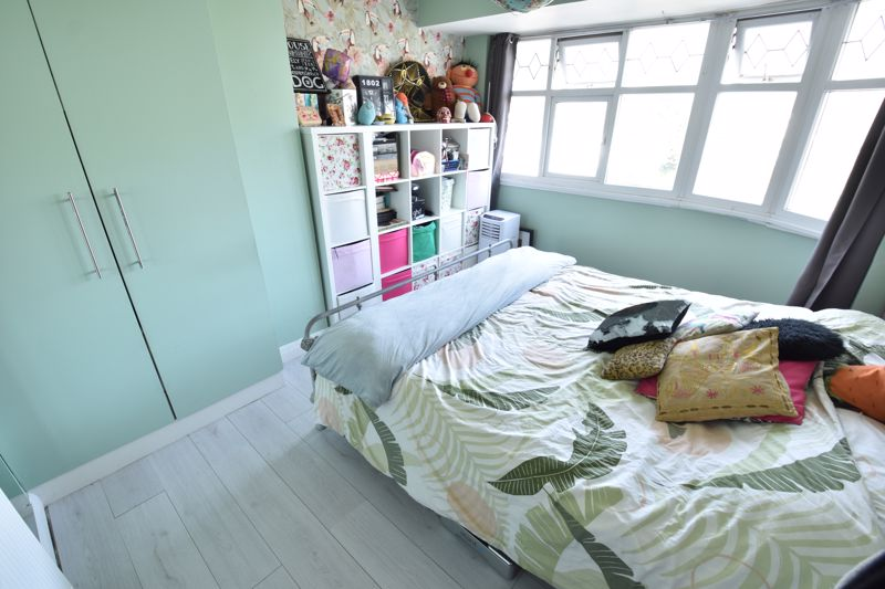 3 bedroom End Terrace to buy in Somerset Avenue, Luton - Photo 16